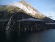Wer Norwegen kennt, wird hier immer wieder an deren Fjorde erinnert