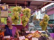 Die Markthalle bietet alles, was das Herz begehrt . . .