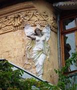 . . . wie auch bei diesem hübschen Fassadenobjekt