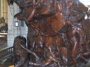 Detail aus der geschnitzten Holzkanzel
