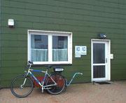 Aussenansicht der Polizei-Hauptwache von Helgoland . . .