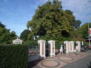 Das hübsche Eingangstor zum Park