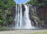 . . . zu den «Cascades Niagara» in La Possesion