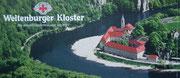 Hier eine Werbetafel für das Kloster, das sehr schön am Flussknie liegt
