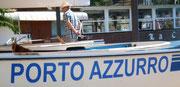 Auf dem Rückweg machen wir einen kurzen Halt in Porto Azzurro