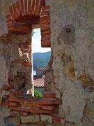 Von der oben gelegenen Altstadt spazieren wir runter . . .