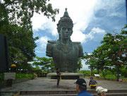 Die 23 Meter hohe Statue des Wisnu-Gottes «Garuda»