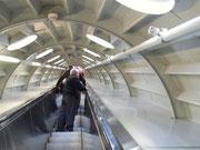 und hier geht's aufwärts mit der Rolltreppe in den Verbindungsröhren