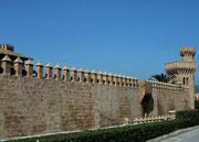 . . . und auf die Stadtmauer, die die Altstadt umgibt