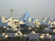 Auch der arabisch-maurische Stil wird nicht vergessen und/oder Beduinen-Zelte werden «imitiert»