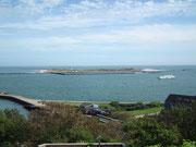 und auf die 1 km entfernte Nebeninsel «Düne»