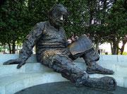 Und zum Schluss: Albert Einstein als fantastische Kupfer-Plastik