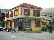 Ein hübscher Schmuck- und Edelstein-Laden . . .