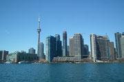 Mit der Fähre setzen wir von Downtown Toronto hinüber zum Toronto Island Park