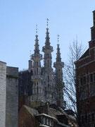 Sehen aus wie Minarette, sind aber Ziertürmchen