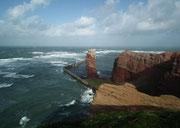 Das Meer wird unruhig und die Wellenhöhe nimmt zu