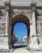 oder der «Arc de Triomphe« oder «Porte Royale» wie er auch genannt wird