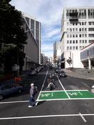 Fahrrad- und Motorradfahrer dürfen an der Verkehrsampel stets vorne «Platz nehmen»