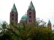 Wir nähern uns dem Mainzer Dom von der Ostseite