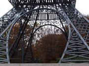 Nicht der Eiffelturm, sondern das Gipfelkreuz auf dem Monte Amiata