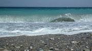 Das Meer ist wie überall in der Ägäis: Von türkisgrün bis Tiefblau . . .