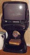 1993 Colani TV mit Standfuss durch RFT Strassfurt produziert . . .
