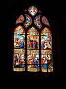 . . . mit wunderschönen Glasfenstern