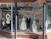 Ein Ausstatter – nein, nicht für Hochzeit – sondern für angemessene Kinder-Bekleidung