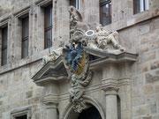 . . . und Eingangstoren