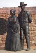 Wunderschöne Bronze-Gruppe am Eingang des Monument Valley