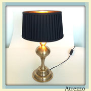 Lámparas Dorada Pantalla Negra Pliegues / REF: LAMP- 044 / 50 cms. / 2 unidades / Arriendo: $ 11.000 c/u / Garantía: $ 30.000 c/u