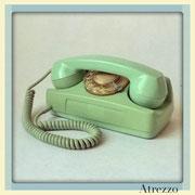 TELEFONO SOBREMESA RETRO VERDE DE DISCO / REF: TLF- 024 / 1 Unidad / Arriendo: $ 8.000  / Garantía: $ 40.000