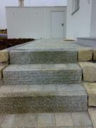 Granittreppen mit Tegula-Steine