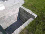 Stützmauer gerade mit Granitblöcke 40x20x20