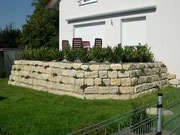 Natursteinmauer aus Jurakalkstein