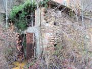 Un edificio dove probabilmente c'erano i compressori ed i rinvii