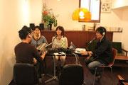 第2コーナーでは、プロデューサーのひぐまも参加。ブックトークを楽しみました。