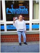 Melanie Knetsch hat ihren B-Führerschein seit dem 21.05.15!