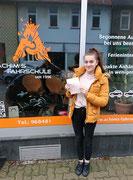 Celine Kornschnabel hat ihren B Führerschein seit dem 22.02.17