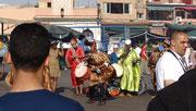 """Danseurs """"Gnawa"""" sur la place Jemma El Fna"""