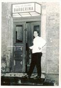 Der Pächter der Gaststätte, Herr Manfred Herbig vor dem Haupteingang