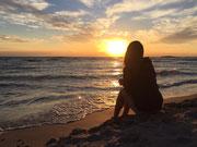 GRETA - Ogni onda del mare ha una luce differente, proprio come la bellezza di chi amiamo