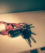 LARA C. - Mi sento donna quando ...appoggio le chiavi sulla mensola