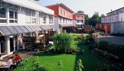 Solarsiedlung Bismark - Im Hintergrund Zeche Consolidation 3, Gelsenkirchen