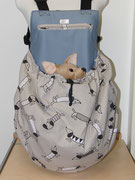 2 Sommertasche außen Leinen mit Hündchen / innen Baumwolle grau. Abgebildet ist Gr.3