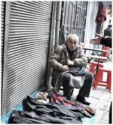 vente de vêtements dans la rue