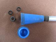 La poignée de la pompe contient des joints de rechange