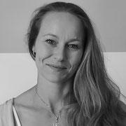 Monique Hempfe (Physiotherapeutin & Osteopathin)
