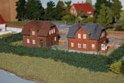 Zwei einfache Häuser