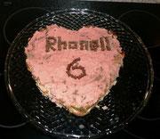 Am 14.7. hatte Mama Geburtstag. Sie hat eine leckere Torte bekommen, von der sie mir etwas abgegeben hat, und ...